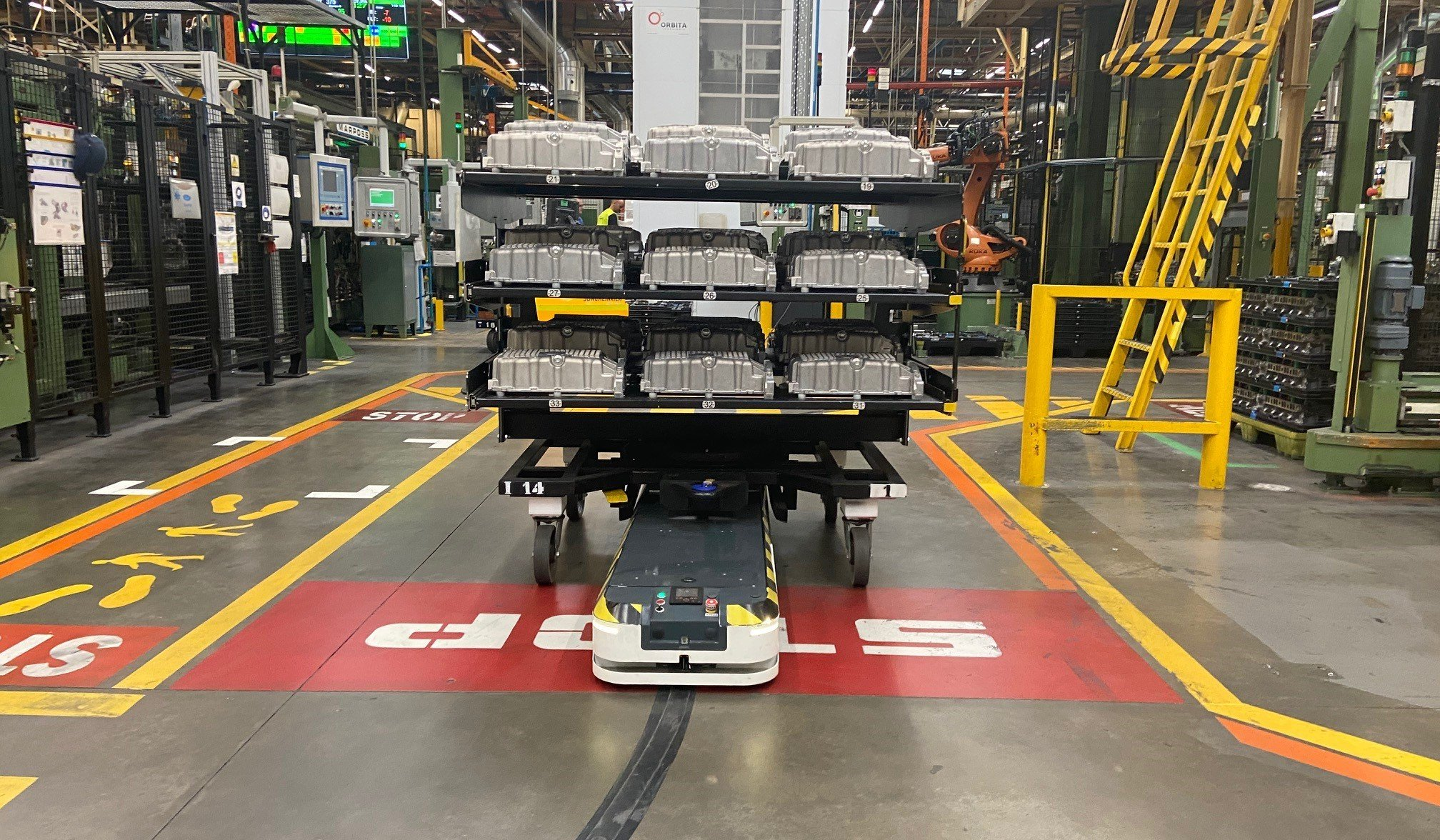 ASTI Mobile Robotics participates in the transformation of the Ford factory in Valencia, thanks to t..